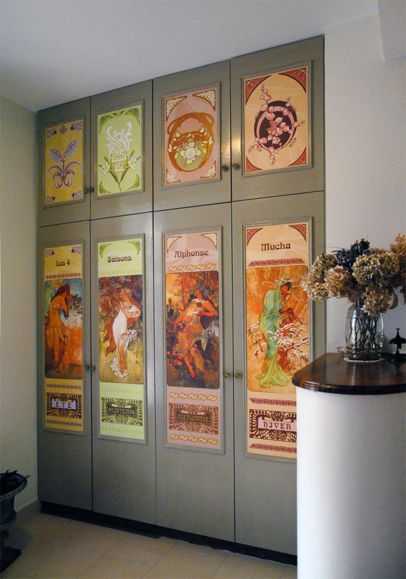 Habillage de portes de placard atelier w for Papier peint pour porte de placard