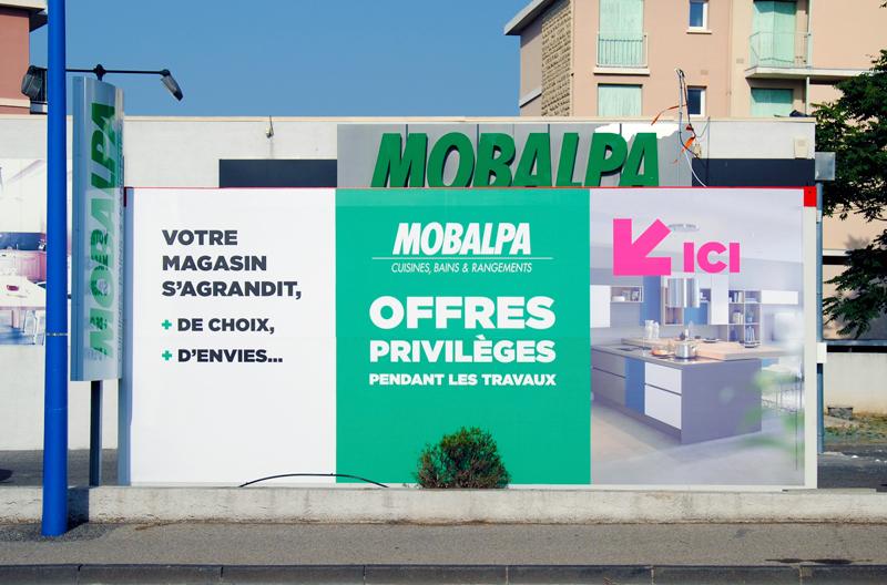 Bâche publicitaire sur algeco à Manosque